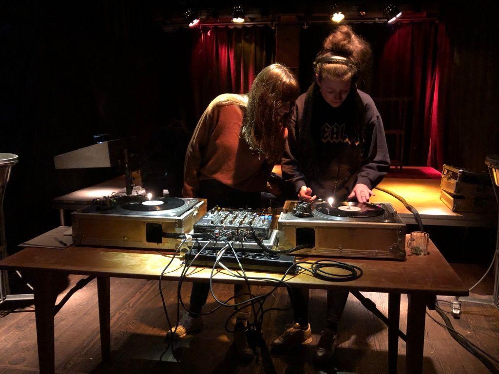 Cover von Mehr als die Freundin des DJs sein